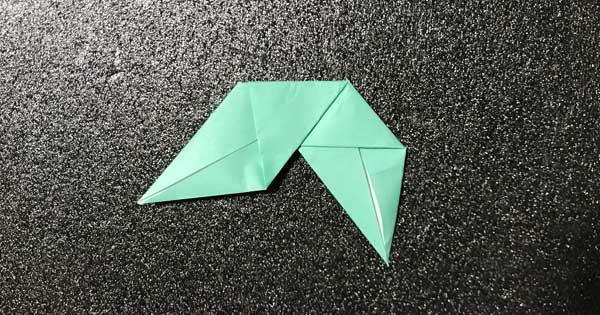 バラの葉の折り紙