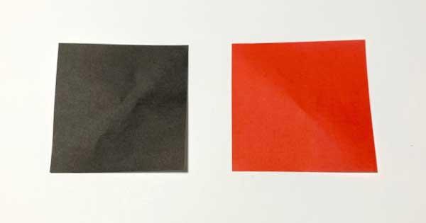 赤と黒の折り紙