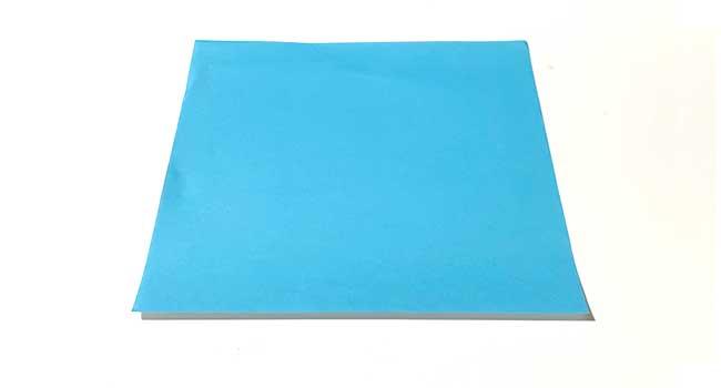 折り紙で簡単に作れる蝶の折り方1