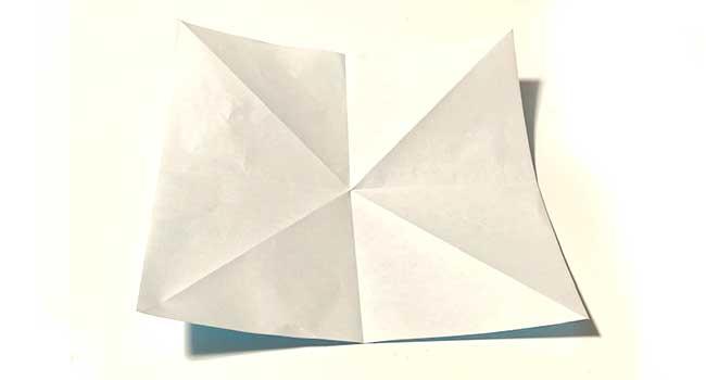 折り紙で簡単に作れる蝶の折り方3